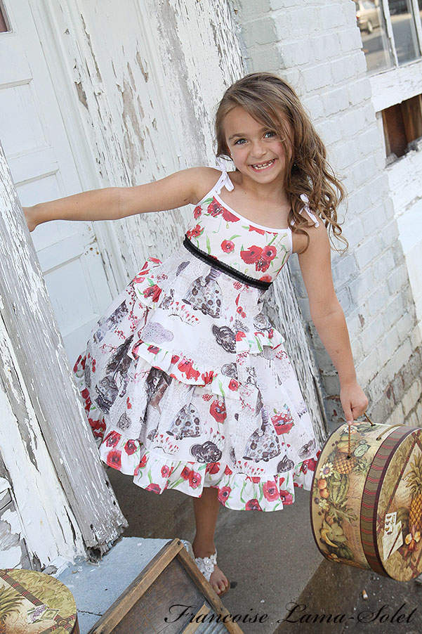 Girl's spring summer pink blue white rGirl's spring summer ruffled red white black poppies twirl sundress Wonderland Size 5